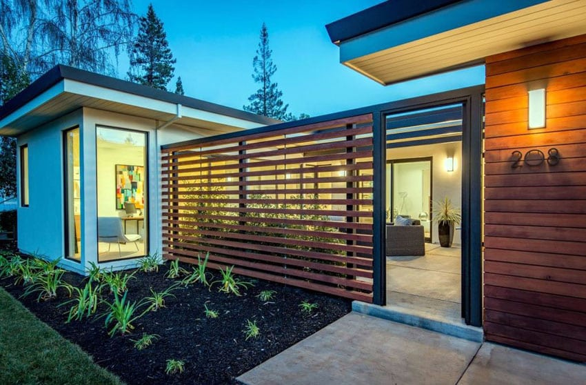 Modern wood horizontal fence entry to courtyard