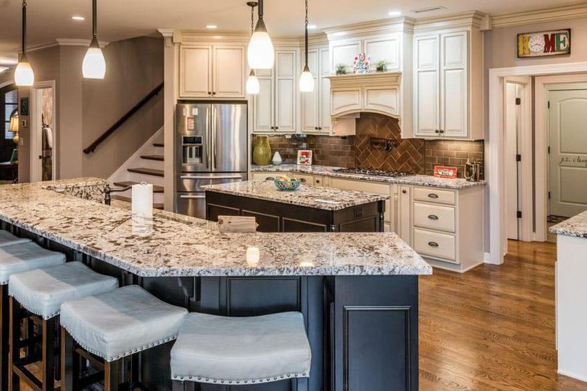 Antique white kitchen cabinets design photos designing for Traditional luxury kitchen