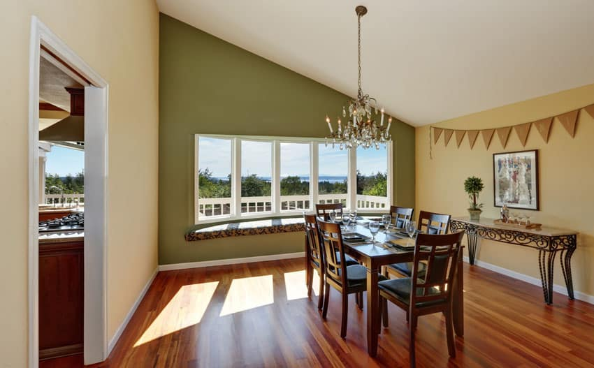 Window seat in dining room