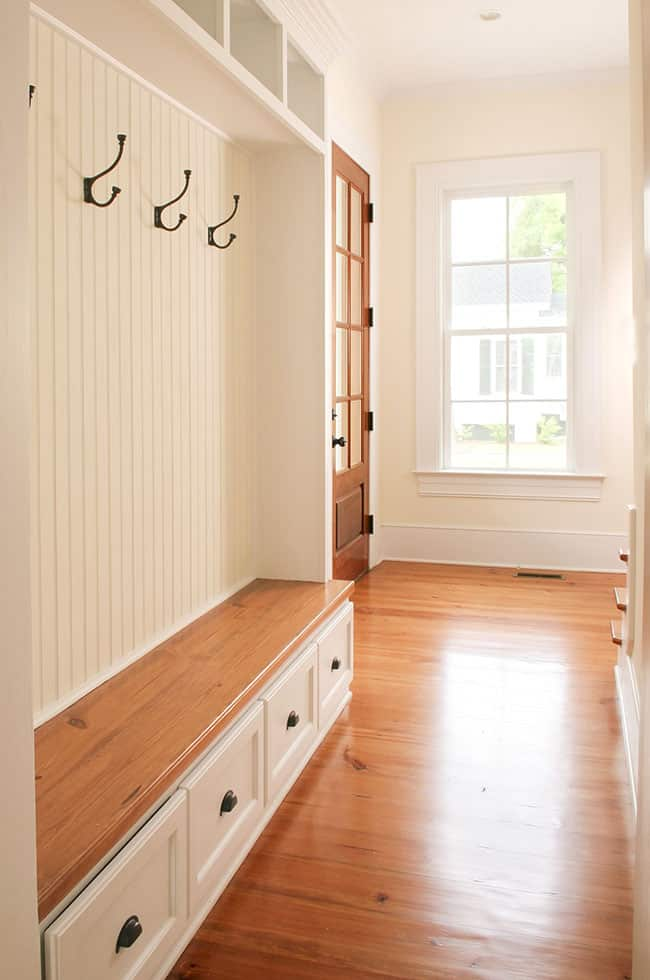 45 mudroom ideas furniture bench storage cabinets for Foyer area furniture