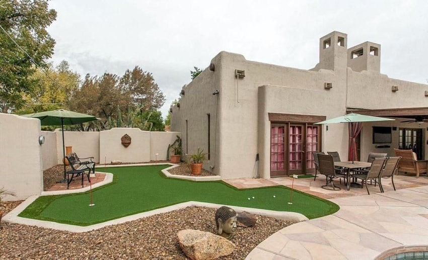 Custom design backyard putting green