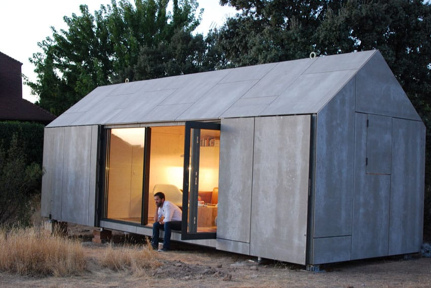 Modern tiny studio house with sliding door