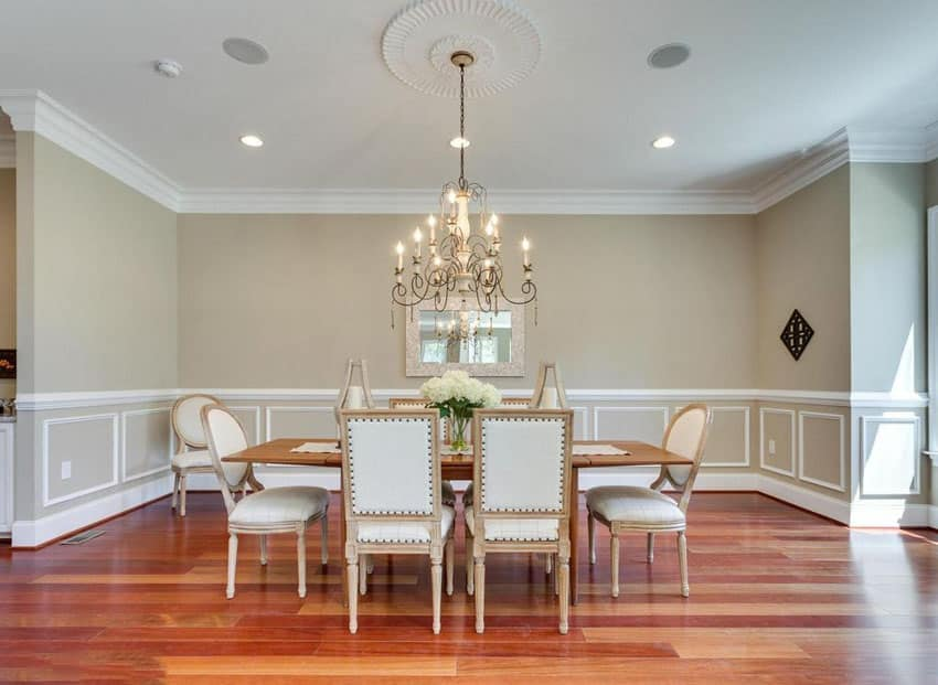 Traditional dining room with gray and white color theme